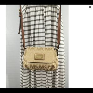 Michael Kors NWT Crossbody Take me away on Vacay